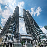 Petronas Tweelingtorens in Kuala Lumpur City Center maleisië stock afbeeldingen