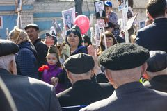 PETROPAVLOVSK MAY 9, 2018: residents in memorable procession. `An immortal regiment`, on May 9, 2018 . Kazakhstan Petropavlovs stock photography