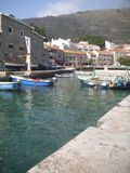 Petrovac, la ciudad vieja, Montenegro el pequeño puerto Imagenes de archivo