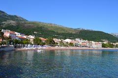 Petrovac, Montenegro, el comenzar de la estación de verano Fotografía de archivo