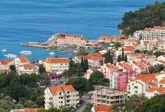 Petrovac-Stadt. Adriatisches Meer, Montenegro Lizenzfreie Stockbilder