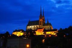 Petrow Brno Nacht-Ansicht der Kirche von Peter und von Paul, Brno, Süd-Moray, Tschechische Republik Stockfotos