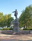Petrozavodsk Monument till Peter det stort på Onezhskaya Embankme Arkivbild