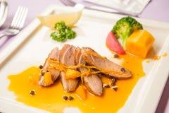Petto dell'anatra arrostito con salsa arancio Fotografie Stock Libere da Diritti