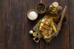 Petto di pollo in marinata fotografia stock libera da diritti