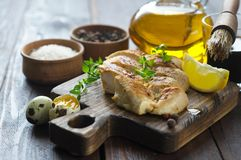 Petto di pollo in marinata fotografia stock