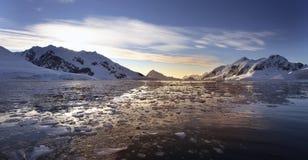petzval halvö för antarcticAntarktisfjärd Royaltyfria Bilder