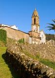 Peu d'église dans un village espagnol Photos stock