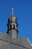 Peu de beffroi sur une certaine église photographie stock libre de droits