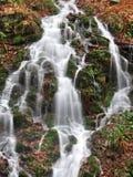 Peu de cascade photos stock