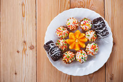 Peu de gâteaux photos libres de droits