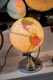 Peu de globe modèle coloré avec la carte Photo libre de droits