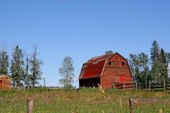 Peu de grange rouge Photographie stock
