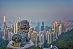 Peu de lion en pierre chez Victoria Peak Photo stock