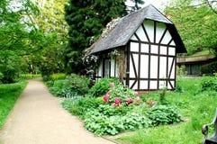 Peu de maison dans le ` de jardin botanique de ` à Kiel photographie stock libre de droits