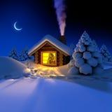 Peu de maison dans les bois la nuit d'an neuf Image stock