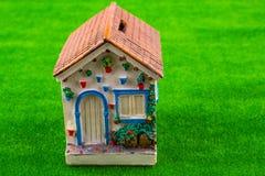 Peu de modèle de maison images stock