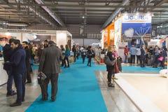 Peu de visite 2015, échange international de personnes de tourisme à Milan, Italie Images libres de droits
