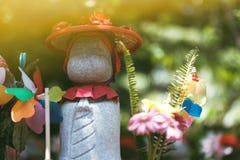 Peu moine dans le temple de Zojoji de statue photographie stock libre de droits