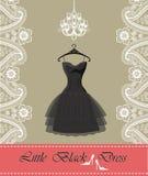 Peu robe noire avec le lustre, ruban, frontière de Paisley Photographie stock libre de droits