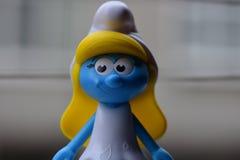Peu Smurfs bleu, Mlle Smurf photos libres de droits