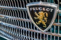 Peugeot λογότυπο στοκ φωτογραφίες με δικαίωμα ελεύθερης χρήσης