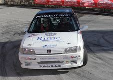 Peugeot 106 ράλι που περιλαμβάνεται στη φυλή Στοκ Φωτογραφίες