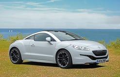 Peugeot bawi się coupe rcz obrazy royalty free