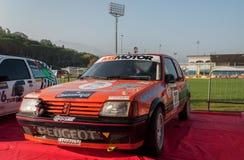 PEUGEOT 205 1 9 GTI 1990 bieżnego samochodu stary wiec legenda 2017 sławna SAN MERYNOSOWA dziejowa rasa Obraz Stock