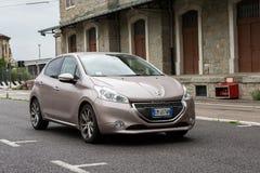 Peugeot 208 ?-Hdi 1 6cc στοκ εικόνες