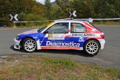 Peugeot 106 maxi nell'azione Fotografia Stock Libera da Diritti