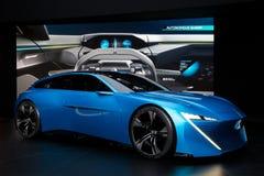 Peugeot pojęcia Instynktowy autonomiczny samochód obraz stock