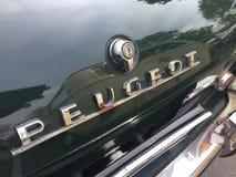 Peugeot rocznika samochód obrazy stock
