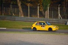 Peugeot 106 S16 samlar bilen på Monza Royaltyfri Foto