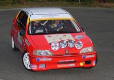 Peugeot 106 samlar i handling Royaltyfri Fotografi