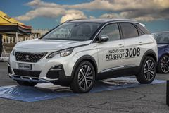 Peugeot 3008 suv in tentoonstelling royalty-vrije stock foto's
