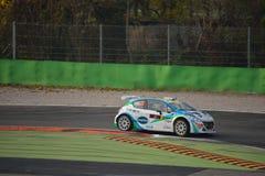 Peugeot 208 zlotny samochód przy Monza Fotografia Stock