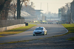 Peugeot 207 zlotny samochód przy Monza zdjęcie stock