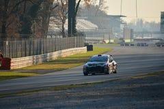 Peugeot 207 zlotny samochód przy Monza obrazy royalty free