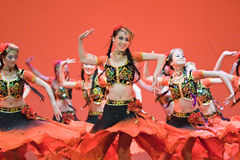 Peuple chinois de danse folklorique Photo stock