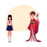 Peuple japonais - geisha dans le kimono historique et l'écolière typique Image libre de droits