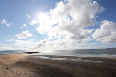 Peuples sur la plage photos stock