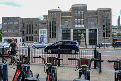 Peuplier, Londres, R-U - 16 juillet 2017 : Bains de peuplier, régénérés l Photographie stock libre de droits