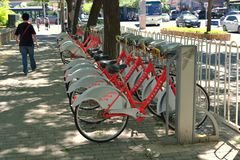 Peut louer des bicyclettes dans Pékin photographie stock