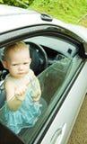Peuter in auto Royalty-vrije Stock Afbeeldingen