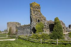 Pevensey slott i östliga Sussex royaltyfri bild