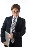 Pewny nastoletni chłopak z laptopem obraz royalty free