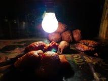 Peyaji pakoda dłoniaka dal pakoda Golgappa cebulkowego chaat dłoniaka kotlecika alu kotlecika jhuri papdi kartoflany fuchka w szk Obrazy Royalty Free