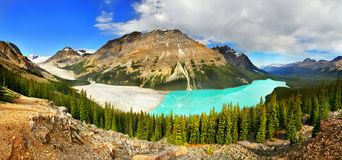 Canada, Banff National Park, Peyto Lake Mountains Panorama. Beautiful Peyto Lake and mountains panorama view in  the Canadian Rockies. Banff National Park Stock Photos