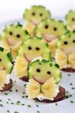 Pezzetti divertenti del formaggio Fotografie Stock